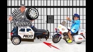 سينيا ومهنته في شرطي. قصص للاطفال