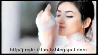 Gambar cover Model HOT Agni Pratistha - Iklan Sabun GIV Silky Skin [Yaiyalah.net]