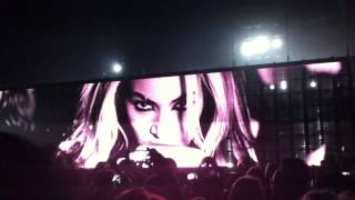 Beyonce - Bow down bitches + Flawless live London O2