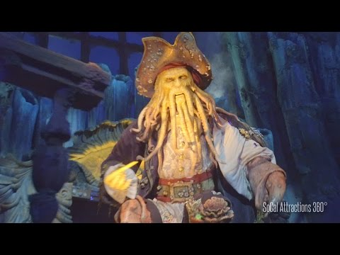 [Excellent Low Light] FULL Shanghai Disneyland Pirates of the Caribbean Ride. Front Row