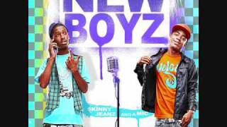 Watch New Boyz Colorz video