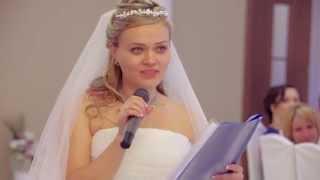 Дочь говорит лучшие слова для мамы на своей свадьбе