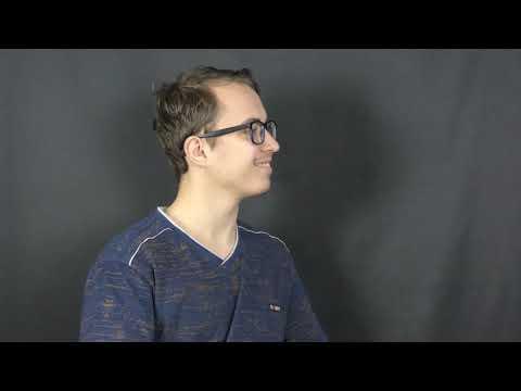 Максим Драч бере інтерв'ю (телелабораторія)