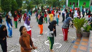 Video Batam Menari SMAN 17 Batam Part 7 download MP3, 3GP, MP4, WEBM, AVI, FLV September 2018