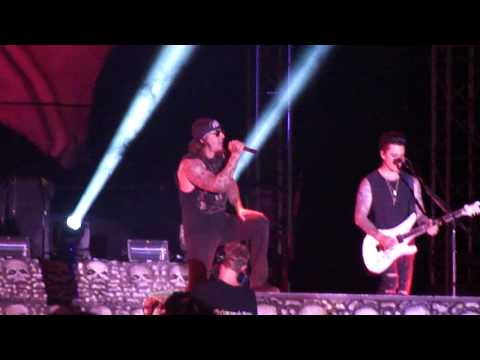 Avenged Sevenfold Carry On Live (First time played live ever) Rock USA 2013