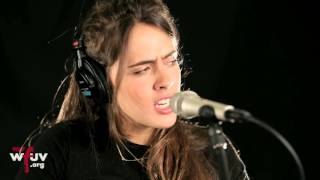 """Hinds - """"Garden"""" (Live at WFUV)"""