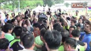 Anti Lynas Save Malaysia event turns ugly in Penang.mp4