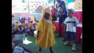 O Pato Vinicius de Moraes  Creche Marcolina 2013 MOV02983