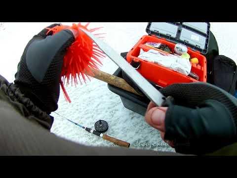 Рыбалка на Ротана Головёшку  Ротан на Детскую Игрушку  Ловля ротана зимой