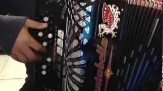 Duelo - Un Minuto Mas acordeon