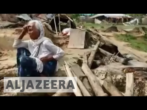 Bangladesh cyclone: Aid workers warn of 'acute crisis'