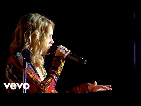 Olivia Holt - Fearless (Vevo Presents: FunPopFun Festival)