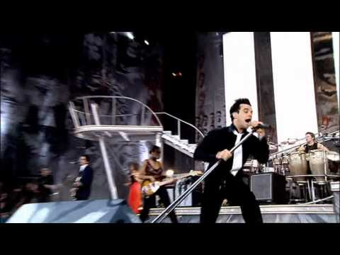 Robbie Williams - Let me entertain you ( Live at Knebworth )
