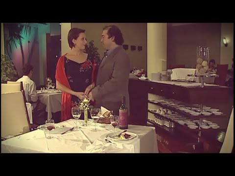 Bons Vizinhos  Jantar romântico e beijo