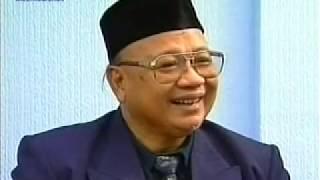 English Mulaqaat (Meeting) on December 31, 1995 with Hazrat Mirza Tahir Ahmad (rh)