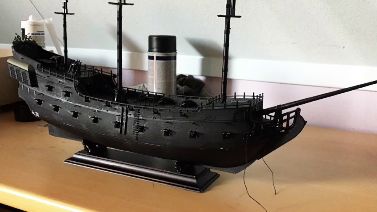 Revell 1:72 05699 Black Pearl Model Ship Kit