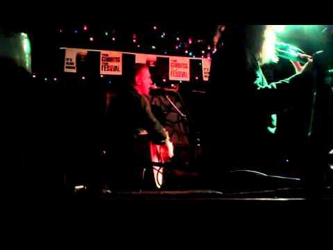 Damien Dempsey - Apple Of My Eye (De Barras Clonakilty 28/10/2011)