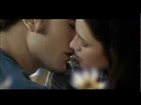 Twilight Edward and Bella - It Will Rain