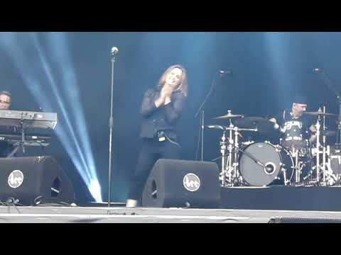 Belinda Carlisle - Heaven Is A Place On Earth, Live In Middelkerke, 12.08.2017.