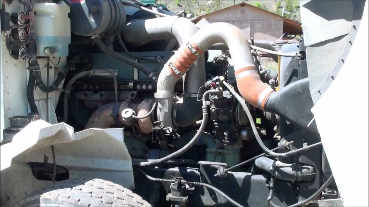 Working on a Detroit Diesel Engine [Bad Fuel Pump]