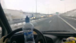 Bonebroke myjí čelní sklo auta :D