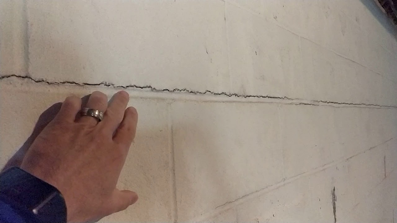 horizontal cracks in basement walls 1 - Crack In Basement Wall