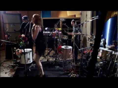 Florence + The Machine - Rabbit Heart (Raise It Up) (Acoustic)