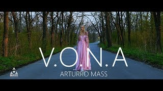 Смотреть клип Arturro Mass - V.O.N.A