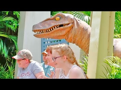 HILARIOUS Raptor Encounter at Islands of Adventure, Universal Studios Florida