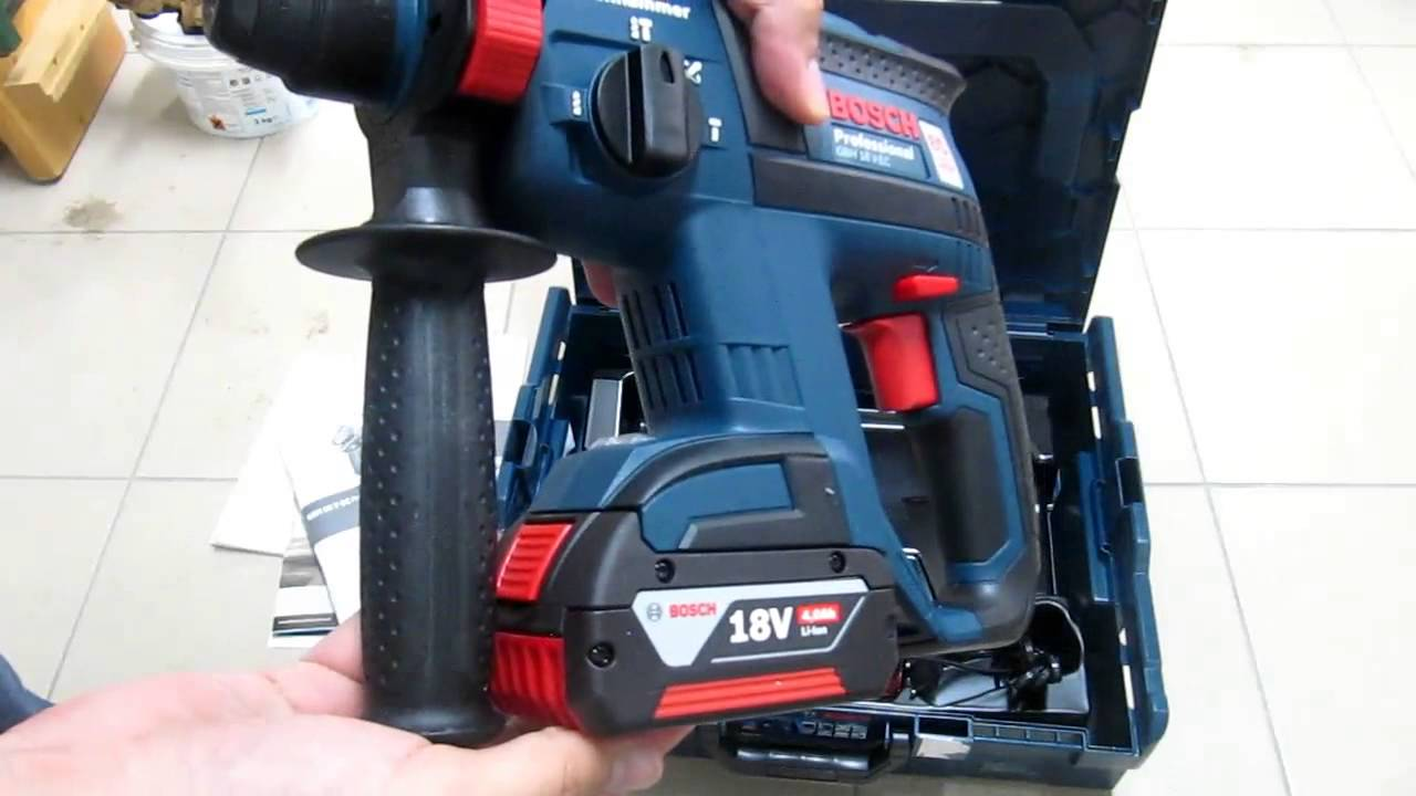 unpacking unboxing cordless rotary hammer bosch gbh 18 v ec l boxx 0611904072 004 youtube. Black Bedroom Furniture Sets. Home Design Ideas