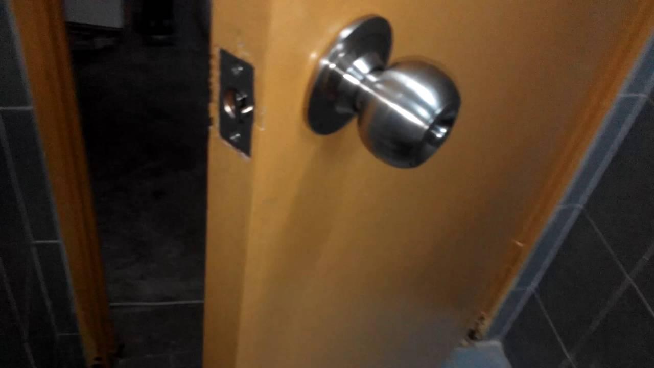 Teknik Mudah Untuk Atasi Masalah Tombol Pintu Rosak Di Tempat Kerja Kunci Kamar Mandi Pvc Bulat Plastik Tutup Lubang Anda Youtube
