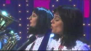 "The Kransky Sisters ""Thriller"" - In Siberia Tonight SBS 21 Oct"