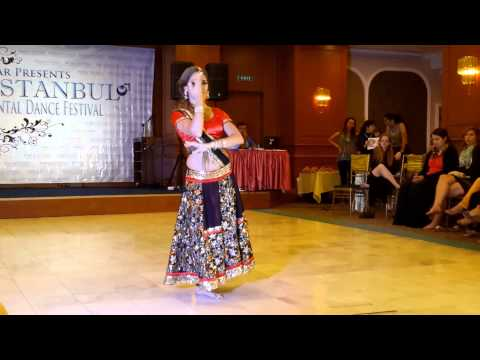 Performing ''Kahe Ched Mohe'' semi-classic