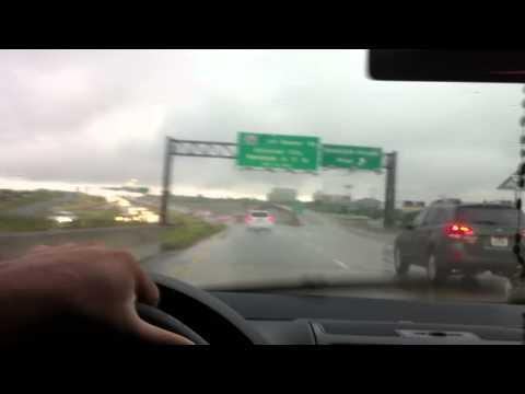 lloviendo en el Highway 1604