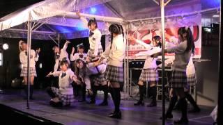 2014年10月5日高岡駅前の恵比須通りのみこし祭りで行われたビエノロッシのステージ4分割の2番目です。