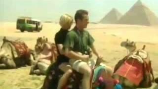شاهد بالفيديو اكبر فضيحه في التاريخ تصوير فيلم اباحي في شوارع مصر