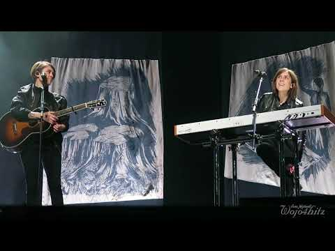 8/20 Tegan & Sara - Bathroom Breaks, Dancing + 19 @ Pantages Playhouse Theatre, Winnipeg, MB