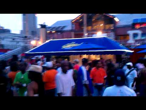 Ruben Toro, spinning @the South Street Seaport NYC.7/3/12