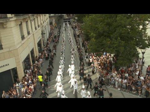 A paz em desfile na Bienal da Dança de Lyon