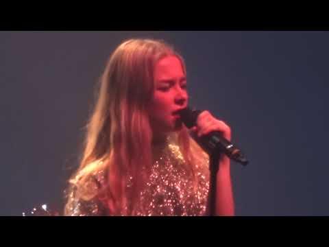 Hooverphonic - Amalfi - Live at Caserne Fonck - 14/12/2018