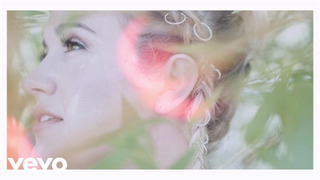 Download Britt Nicole - Pave