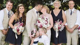 Она попросила, чтобы жених и невеста поцеловались. То, что произошло ниже, заставит вас рассмеяться