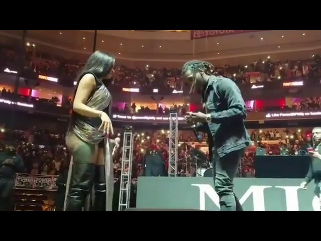 Offset Proposes to Cardi B At Powerhouse 2017