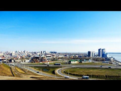 Город Барнаул у реки Обь весной - 2017 в 4К.