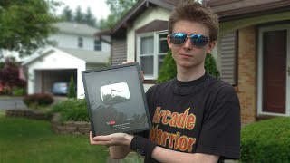Unboxing my YouTube Silver Playbutton!
