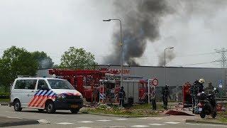 11/06/13 Zeer grote brand verwoest Maxum megastore in Brielle