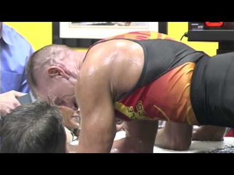 George Hood Sets Guinness World Record in Abdominal Plank-Dec. 3, 2011
