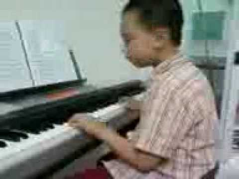 Goi giac mo ve-piano-be Luân.mp4