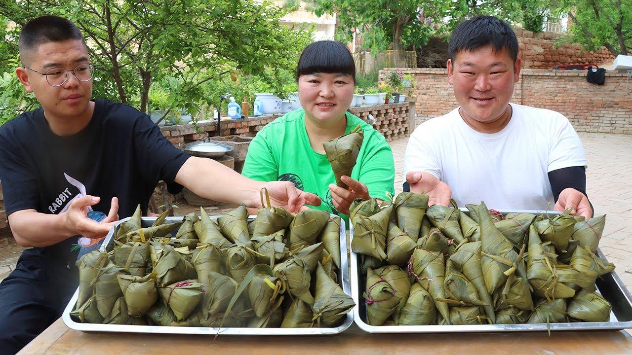 【陕北霞姐】端午节了,霞姐包陕北传统粽子,一次两种口味,香甜软糯,吃的停不下来!