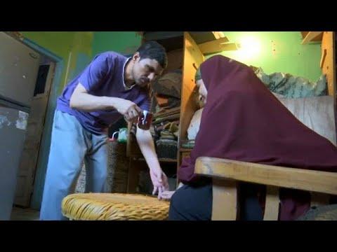 زوجان كفيفان يغزلان الحقائب بمهارة تفوق المبصرين  - نشر قبل 2 ساعة